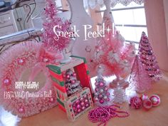 "ChiPPy! - SHaBBy!: **OMG!*!*! 1950's ViNtaGE ""PiNk Christmas"" Bottle Brush Trees/Wreath"
