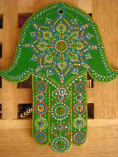 Art by Alexandra Fet: Green hamsa