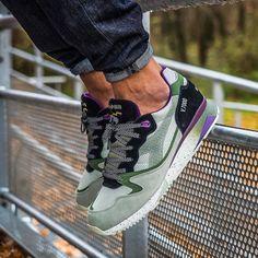 "Diadora V7000 x @sneakerfreakermag ""Taipan""  @bisso97120 . #heatonfeet #womft #therealblacklist #diadoratalk #sneakersaddict #sneakernews #sneakerporn #sneakersholic #klkix #sadp #runnersclubuk#kicksoftheday #hskicks #crepecity #makeitbright #klekttakeover #sneakerfreakerofficial #sneakerplaats #n9000 #sneakersmag#nicekicks #venetiannight #g1runners #hanonshop #complexkicks#wdywt"