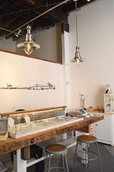 Beautiful & Creative Jewelry Store Designs - Jewelry Display Ideas - - Jewelry Ideas - The Best Jewelry Gift Ideas for the Holidays Shop Interior Design, Retail Design, Interior Decorating, Interior Paint, Jewelry Store Design, Jewelry Shop, Glass Jewelry, Jewelry Ideas, Jewelry Dish
