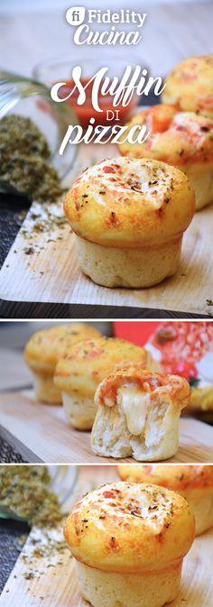 I muffin di pizza sono un'idea sfiziosa ed originale da servire in tantissime varianti diverse. Impossibile non esserne conquistati