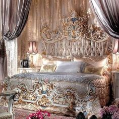 Bedroom Furniture Ideas And Styles – The Homeward View Baroque Bedroom, Baroque Decor, Dream Rooms, Dream Bedroom, Master Bedroom, Bedroom Furniture, Bedroom Decor, Furniture Sets, Rococo Furniture