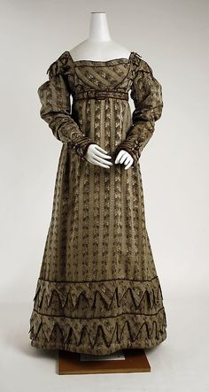 silk european dress ca. 1820 Links to an article that goes into detail about the use of vandyke points in Regency fashion