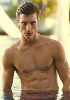 Alex Larsson at DT Models