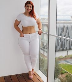 Likes, 20 Kommentare – The Curvy BroadCast (Dianne Kakanowski) in Instag … - Mode Frauen Good Woman, Beautiful Gorgeous, Beautiful Women, Beautiful Curves, Fit Women, Sexy Women, Curvey Women, Plus Sise, Voluptuous Women