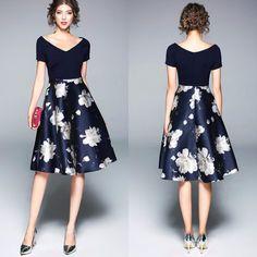 Vestido Gode Midi Com Estampa Floral por apenas R$ 116,99 com frete gratis | UFashionShop