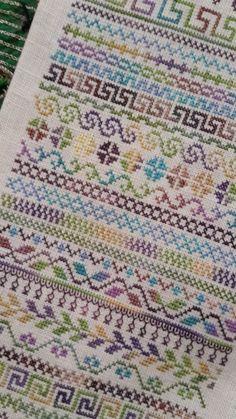 Counted Cross Stitch Design: B Cross Stitch Bookmarks, Cross Stitch Art, Cross Stitch Borders, Cross Stitch Alphabet, Cross Stitch Samplers, Cross Stitch Flowers, Cross Stitch Designs, Cross Stitching, Cross Stitch Embroidery