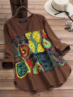 O-NEWE Vintage Ethnic Print Patchwork V-neck Plus Size Blouse can cover your body well, make you more sexy, Newchic offer cheap plus size fashion tops for women. African Attire, African Wear, African Dress, Latest African Fashion Dresses, African Print Fashion, Moda Afro, African Blouses, Plus Size Vintage Dresses, Ethnic Print