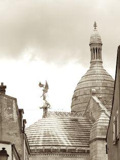 Behind Le Sacre Coeur in Montmartre...