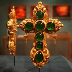The Tucker Cross was recovered from the 1594 wreck of the San Pedro.  It was a 22-karat gold cross embedded with emeralds and considered priceless. In 1975, the Cross was moved to the Bermuda Museum of Art to be displayed for Queen Elizabeth II. No one knows when or how, but during this transition, a clever thief replaced the original with a cheap plastic replica.  It's thought the cross was melted down and the emeralds broken up for resale.