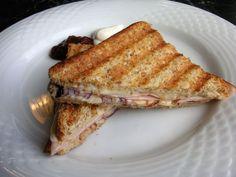 Schinken - Käse - Toast mit Zwiebel, ein beliebtes Rezept aus der Kategorie Frühstück. Bewertungen: 15. Durchschnitt: Ø 4,2.
