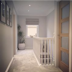 House entrance diy entry ways 22 Ideas Hallway Inspiration, Home Decor Inspiration, Flur Design, Upstairs Hallway, Hallway Unit, Hallway Designs, Hallway Ideas, House Entrance, Hallway Decorating