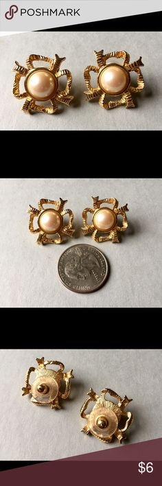 Vintage MONET Earrings Gold Pearl Signed Monet.  Great condition Vintage Jewelry Earrings