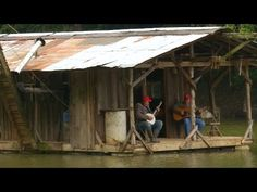 Hillbilly Houseboat - Hilarious, Bologna, Cat Fishing And Bluegrass Music : Video Clips From The Coolest One