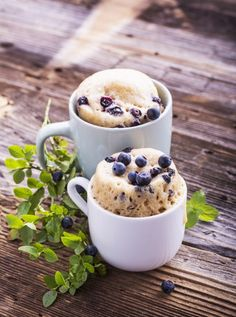 These 1 minute, high fiber blueberry flax muffins are a great breakfast option! Perfect for those busy mornings on the go. Microwave Muffin, Microwave Recipes, Baking Recipes, Easy Recipes, Speedy Recipes, Muffin In A Mug, Lemon Mug Cake, Breakfast Options, Blue Berry Muffins