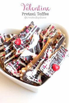 Easy to make and DELICIOUS to eat pretzel toffee all set for Valentine& day with heart sprinkles. Valentines Day Treats, Holiday Treats, Holiday Recipes, Valentine Recipes, Holiday Decor, Candy Recipes, Dessert Recipes, Sweet Recipes, Just Desserts