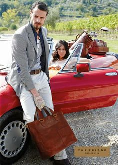 Choosing The Perfect Handbag That's Suitable For All Season - Best Fashion Tips Fashion Models, Mens Fashion, Fashion Tips, Fashion Menswear, Hermes Handbags, We Wear, Model Photos, Spring Outfits, Cool Style