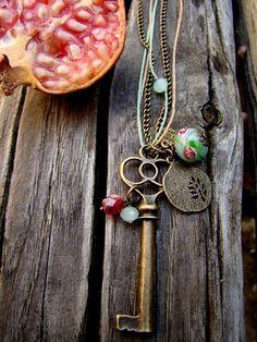 Romantica collana con chiave con bella menta verde di LadyBabajola