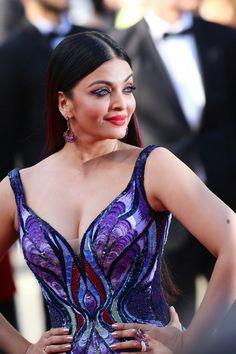 Aishwarya Rai Girls of the Sun Cannes 2018 Bollywood Actress Hot Photos, Indian Bollywood Actress, Bollywood Girls, Beautiful Bollywood Actress, Most Beautiful Indian Actress, Bollywood Celebrities, Beautiful Actresses, Celebrities Fashion, Aishwarya Rai Cannes