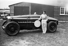 Kay Petre poses with her V12 Delage, July 1937.