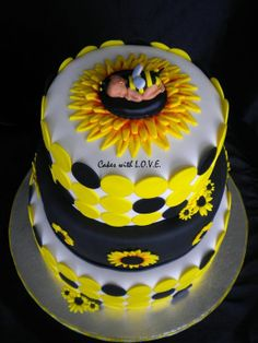 Bumble Bee Cake!! Love this of I have a girl one day:)!