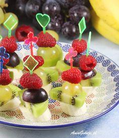 Koreczki | AniaGotuje.pl Fruit Salad, Cheddar, Party, Food, Fiesta Party Foods, Home Kitchens, Salads, Salad, Fruit Salads