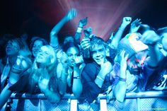 party time with people - Yahoo Image Search Results Leeds City, Yahoo Images, Party Time, Image Search, People, People Illustration, Folk