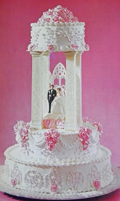 Good Things by David: Vintage Wilton Wedding Cakes