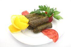 Enginarlı Etli Yaprak Sarma Tarifi Steak, Leaves, Ethnic Recipes, Food, Instagram, Essen, Steaks, Meals, Yemek
