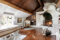 Never ending story: Jak kupić stary dom? Shabby Chic Farmhouse, Farmhouse Style, Interior Styling, Interior Decorating, Interior Design, Floating Fireplace, Swedish Cottage, Sweden House, Tadelakt