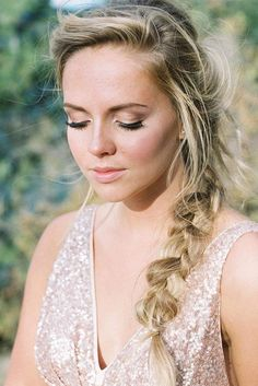 23 Super-Easy Long Hairstyles Girls Will Love ★ See more: http://glaminati.com/super-easy-long-hairstyles/