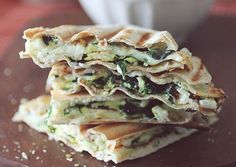 50 Insanely Tasty Breakfast Recipes That Hardly Take Any Time At All Delicious Breakfast Recipes, Vegetarian Breakfast, Yummy Food, Breakfast Items, Breakfast Dishes, Clean Breakfast, Breakfast Options, Spinach And Feta, Spinach Wrap