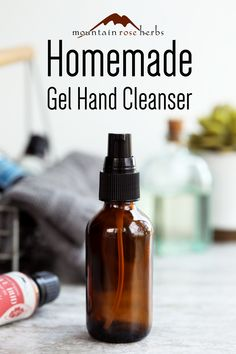 Make this simple, natural hand cleansing gel with essential oils, great for fighting germs on-the-go during the daily runaround, travels, and more! Thieves Essential Oil, Lemon Essential Oils, Essential Oil Blends, Four Thieves, Diy Cosmetic, Cinnamon Leaf Oil, Proper Hand Washing, Mountain Rose Herbs, Natural Healing