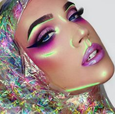 Neon Makeup Is Making A Comeback And TBH It's Amazing