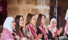 الملكة رانيا تعبر عن فخرها بوجود ناشطات…: أعربت زوجة العاهل الأردني الملكة رانيا العبدالله، الأربعاء، عن فخرها بوجود مجموعة من السيدات…