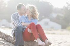 San Francisco engagement session, Bay Area engagement, red, white, blue, beach, sand, sun, peaceful, city life