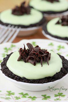 Mini Grasshopper Pies~                             Perfect For St. Patrick's Day