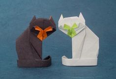 Origami Cats and the books showing you how to make them. Learn more on Gilad's Origami Page. Gallery page 2 of Origami Halloween, Christmas Origami, Gato Origami, Origami Mouse, Origami Cat Instructions, Origami Tutorial, Origami Design, Origami Turtle, Origami Paper Art
