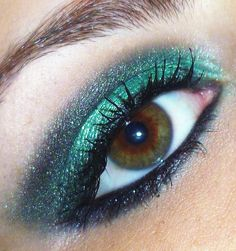 Makeup looks - Feline Green smokey eyes. More Makeup Ideas makeup artist tips on the blog