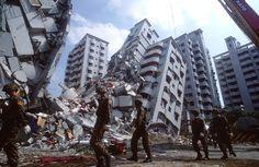 Cosa fare se arriva il terremoto. Proteggersi in casa, in ufficio a scuola. Lo…