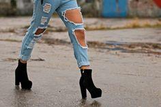 http://www.pasoapasoblog.com/2014/11/ripped-jeans.html