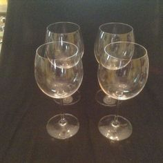 VINTAGE by MARQUIS WATERFORD  set of 4 Wine Glasses, clear, large