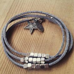 Pulseras de antelina gris con estrella