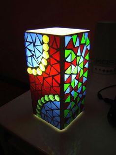 Mosaic IKEA Grono lamp - I've been meaning to do this for ages! Mosaic Crafts, Mosaic Projects, Stained Glass Projects, Stained Glass Patterns, Mosaic Art, Mosaic Glass, Glass Art, Sea Glass, Tile Mosaics