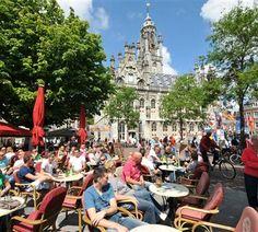 De grote markt van Middelburg