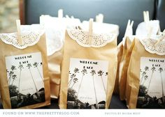 Welcoming gifts | Photography: Moira West