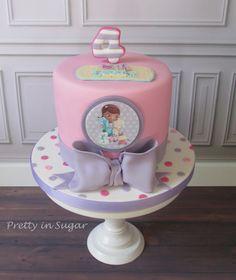 Doc Mucstuffins | Dra Brinquedos. Cake stand by Coco&Baunilha