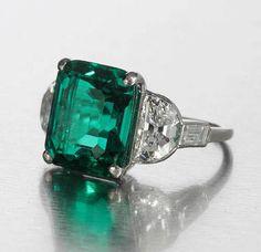 art deco emerald and diamond ring, circa 1925