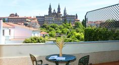 Pousadas de Compostela Hotel Pombal Santiago De Compostela Just 300 metres from Santiago de Compostela Cathedral, Hotel Pombal is opposite Alameda Park and has 2 car parks 100 metres away. The stylish rooms offer views of the old town, free Wi-Fi and satellite TV.