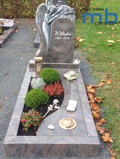 Tombstone Designs, Cemetery Monuments, Book Page Crafts, Cemetery Decorations, Corporate Flowers, Stone Sculpture, Garden Design, Modern Design, Edd